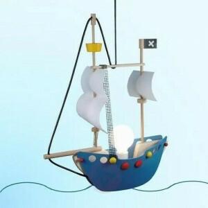 Pendelleuchte Piratenschiff
