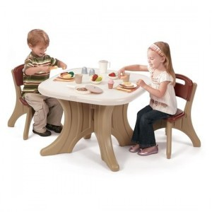 New Traditions Table und Chairs Set - Step2 (896800)